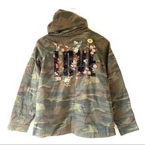 NEW American Eagle LOVE Camo Embroidered Jacket